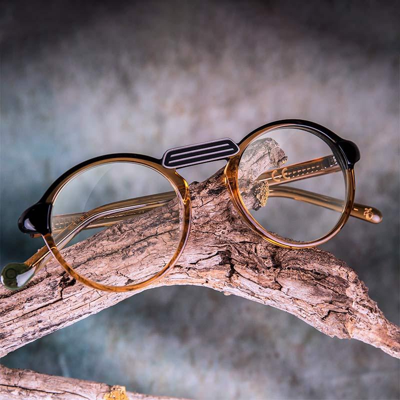 Montura moderna ligera modelo Oxford Proud Eyewear