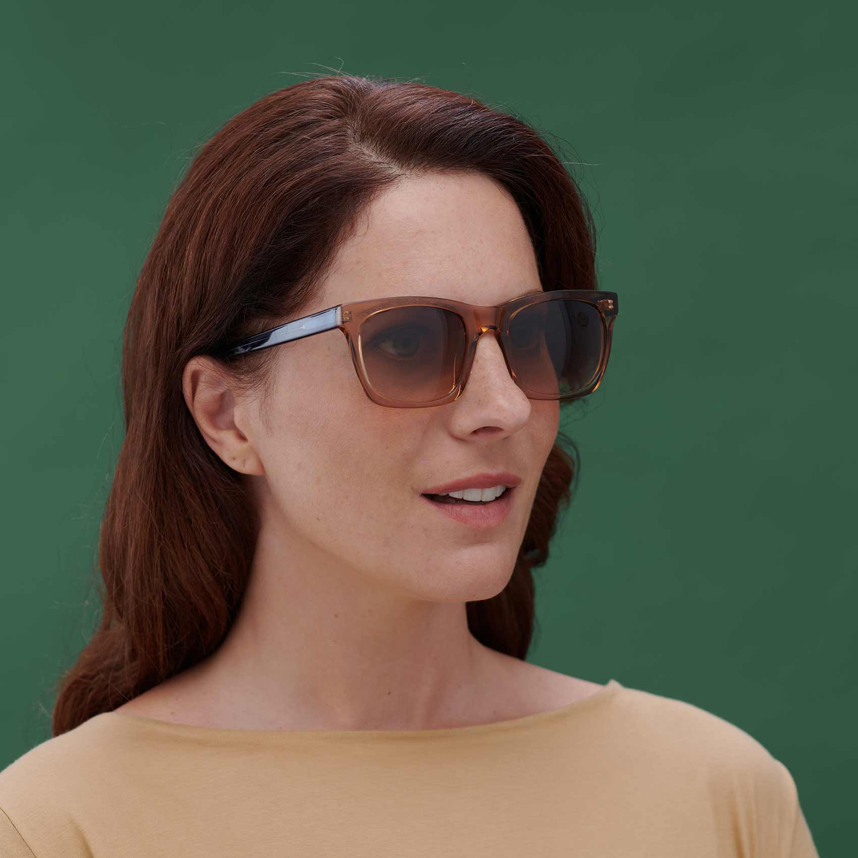 Gafas de sol de moda sostenible modelo Oporto en color beige y azul - Proud eyewear