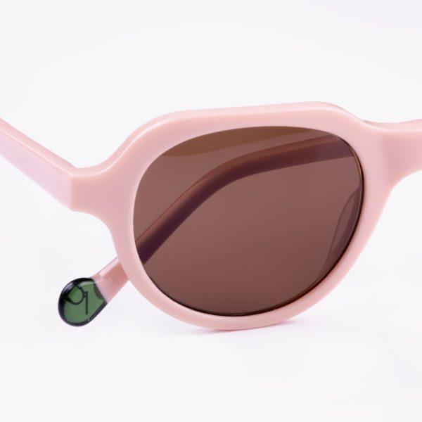 Cabañal gafas de sol detalle logo Proud