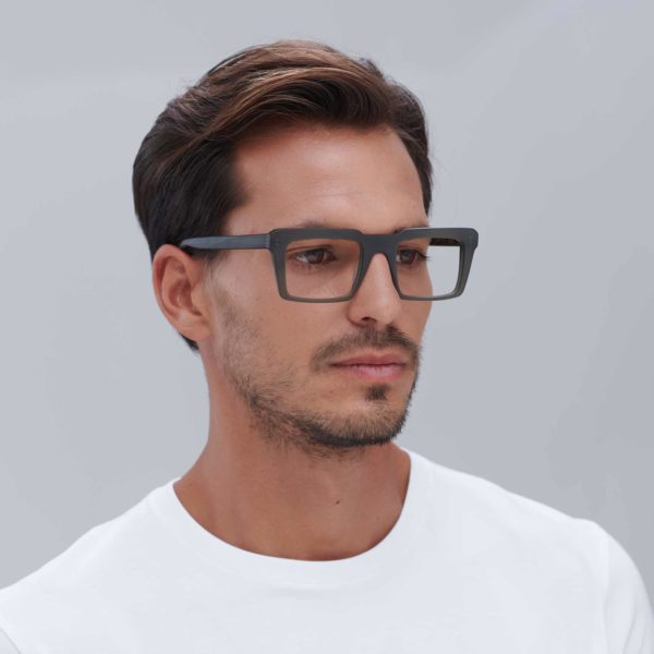 Eco-friendly retro glasses with Italian acetate frame in green