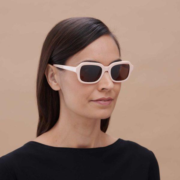 Gafas de sol con lentes amplias color Max Mara